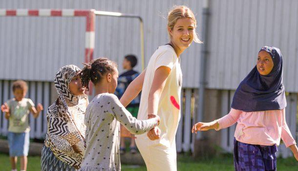 Kirkens Bymisjon ser etter unge, engasjerte mennesker mellom 18 og 30 år. Planlegge og gjennomføre ferieaktiviteter for barnefamilier!