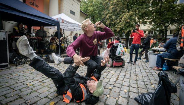 Norsk Råkk spilte på fest i børsparken